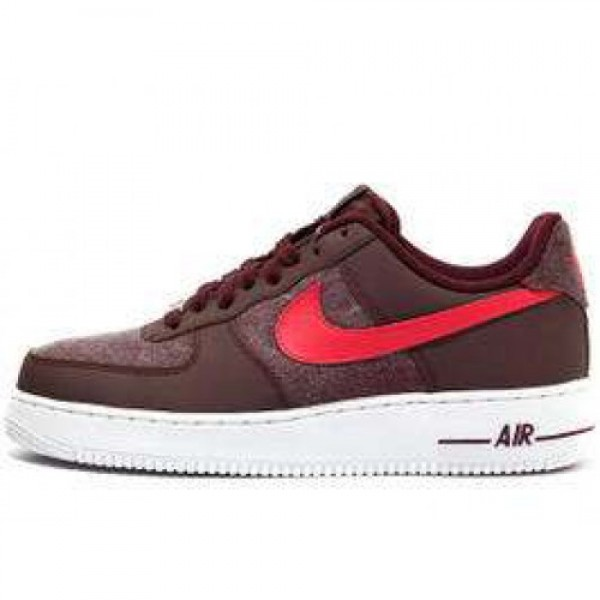 Nike Air Force 1 07 LE RED MAHOGANY/SCRLT FIRE-WHI...