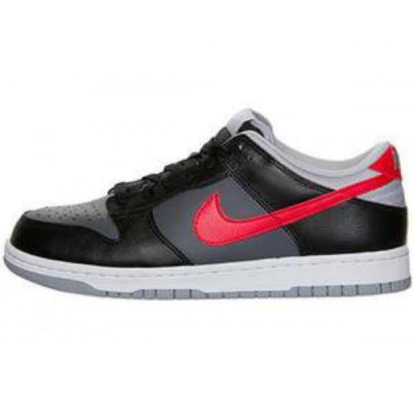 Nike Dunk Low DRK GRY/UNVRSTY RD-BLK-WLF GRY ナイキ ダンク ロウ ダークグレイ/ユニバーシティ ブラック ウルフグレイ 318019-040